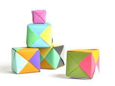 Cubos de origami en Manualidades infantiles para bebés, niños y niñas
