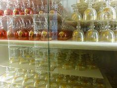 BACCARAT SERVICE FOR 200, ROYAL PALACE OF TURIN, ca. 1894~  Bicchieri del servizio di vetrerie di Baccarat dei Savoia con collare dell'Annunziata da 200 persone del 1894 (Palazzo Reale di Torino)