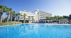 azuLine Hotel Bergantin Bahia de Sant Antoni Hotel Bergantin is located in Cala d'en Bou, just 200 metres from S'Estanyol Beach. It features 2 outdoor swimming pools and a hot tub and sauna.  The hotel has a fitness centre, children's playground, mini football field, and a tennis court.