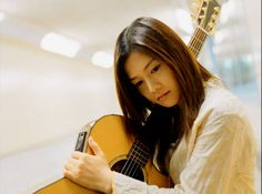 Single Parent Families, Japanese Artists, Yui, Singer, Actresses, Female Actresses, Singers