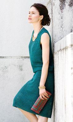 Horgolt zöld színű női kosztüm horgolás minta leírással