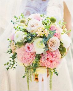To see more chic wedding flower ideas: http://www.modwedding.com/2013/07/05/fresh-bridal-bouquets-to-liven-up-your-day/ #wedding #weddings #bridal_bouquet