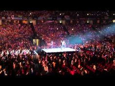 One Direction answers to fans questions live in Lisbon, Portugal 26/5/13 - YouTube