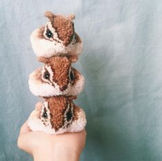 Look At These Amazing Animal Pom-Poms by Tsubasa Kuroda Cute Crafts, Crafts For Kids, Arts And Crafts, Pom Pom Crafts, Yarn Crafts, Knit Or Crochet, Crochet Toys, Pom Pom Animals, Pom Pon