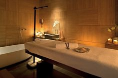 Tip & win: Relax // Akasha Spa Conservatorium Hotel - Moderne Hippies Spa Interior, Interior Design, Spas, Deco Spa, Spa Treatment Room, Spa Treatments, Apartment Decoration, Pintura Exterior, Spa Rooms