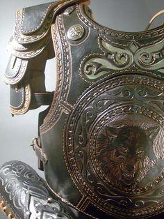 The black leather armor by Zoltán Koszta, via Behance Leather Armor, Leather Tooling, Leather Men, Black Leather, Arm Armor, Body Armor, Fantasy Armor, Fantasy Weapons, Larp