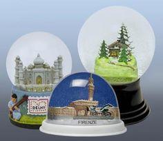 Firenze and Delhi snow globes