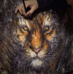 Explosive Splattered Ink Animal Paintings by Hua Tunan