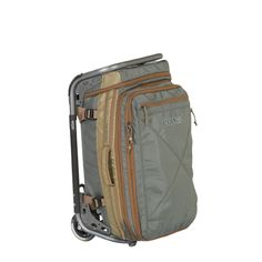 Smartly designed and versatile enough to cover just about all of your travel needs, the expandable, modular Ascender 22 bag with detachable, rolling chassis is the foundation of Kelty's new Travel line. Supremely adaptable, the Ascender 22 expands from a 40-liter carry-on size to 55- and 70-liter checked bag sizes.