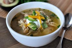 Slow Cooker White Bean Chicken Chili Recipe -- This is a really good recipe, but I wouldn't call it Chili. It's more of a chicken and bean soup. Lots of broth. I added fresh tomatoes as a garnish just before serving. Chili Recipes, Slow Cooker Recipes, Soup Recipes, Chicken Recipes, Dinner Recipes, Cooking Recipes, Healthy Recipes, Crockpot Recipes, Kitchen