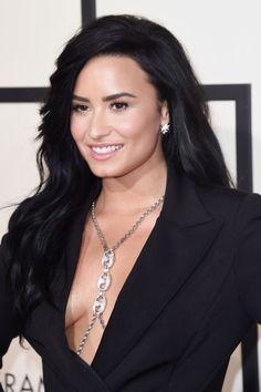 Demi  Grammy Awards 2016
