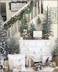 Looking for for ideas for farmhouse christmas tree? Browse around this site for unique farmhouse christmas tree inspiration. This amazing farmhouse christmas tree ideas seems completely excellent. Christmas Staircase, Flocked Christmas Trees, Small Christmas Trees, Christmas Fireplace, Woodland Christmas, Farmhouse Christmas Decor, Noel Christmas, Country Christmas, Christmas Wreaths