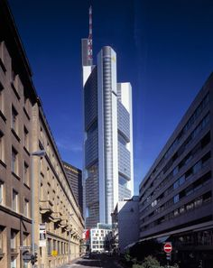 Commerzbank Headquarters | Projects | Foster + Partners