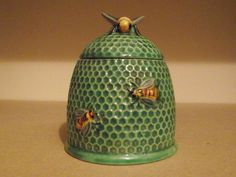 1930'S MARUTOMOWARE HONEY POT - Have a similar one in a golden color but do not have this particular one in green.