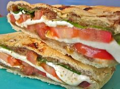 balsamic caprese panini - tried this. is it SO delicious. probably one of the best sandwiches i've ever had. Tea Sandwiches, Soup And Sandwich, Salad Sandwich, I Love Food, Good Food, Yummy Food, Caprese Panini, Caprese Salad, Tapas