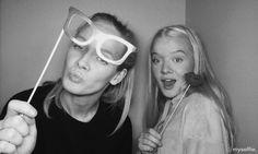 Bruk myselfie. på jentekveld ✨ Kurt Cobain, Sunglasses, Style, Fashion, Swag, Moda, Fashion Styles, Sunnies, Shades
