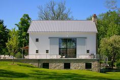 Modern Farmhouse Design A 19th century barn in Michigan was converted into a modern home