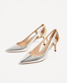 Chaussures argentées. Chaussures ArgentéesTenueHauts Talons D  argentChaussures ... e245a12d8b93