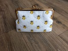 Amazing Bee Themed Gifts for Men and Women!