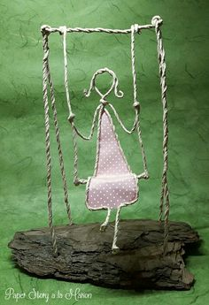 Craft figures with paper and wire for any decoration occasion with this DIY guide Wire Crafts, Metal Crafts, Diy And Crafts, Arts And Crafts, Wire Art Sculpture, Wire Sculptures, Abstract Sculpture, Bronze Sculpture, Wire Work