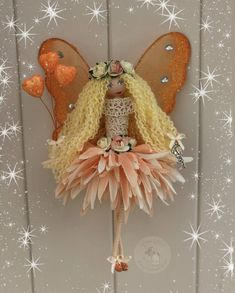Clothespin Crafts, Flower Fairies, Clay Dolls, Fairy Dolls, All Things Christmas, Projects To Try, Christmas Ornaments, Holiday Decor, Flowers
