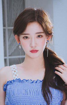 Korean Beauty Girls, Asian Beauty, Ulzzang Korean Girl, Asian Celebrities, Cute Girl Photo, How To Look Classy, Beautiful Asian Girls, Woman Face, Girl Photos