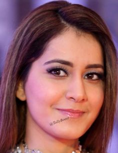 Gorgeous Indian TV Girl Rashi Khanna Long Hair Chubby Cheeks Face Close Up TOLLYWOOD STARS MIRA RAJPUT PHOTO GALLERY  | CDN.DNAINDIA.COM  #EDUCRATSWEB 2020-09-08 cdn.dnaindia.com https://cdn.dnaindia.com/sites/default/files/styles/full/public/2020/09/07/923581-mirarajput-birthday-makeuplook1.jpg
