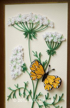 26 Clever And Inexpensive Crafting Hacks - Quilling Paper Crafts Quilling Butterfly, Arte Quilling, Paper Quilling Patterns, Quilled Paper Art, Quilling Paper Craft, Paper Crafts, Butterfly Flowers, Quilled Roses, Quilling Comb