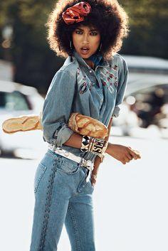"""Vogue Paris """"Wild Cat"""" (août  2012) ~ Anais Mali portant une chemise en jean et un jean, photographiée par Lachlan Bailey"""