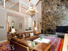 very nice and awesome living room - 1150 Heards Ferry Rd  Sandy Springs, GEORGIA 30328
