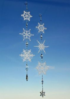 Last week, Ane Scherrer challenged me to make my own string of snowflakes and beads. I was so inspired by the beauty of her work and the i...