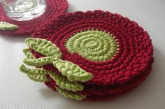 Cute crochet coasters. Would make cute scrubbies too :)