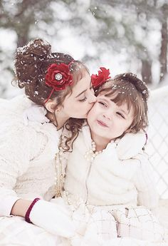 Gorgeous winter child photography | Candy Bell Photography