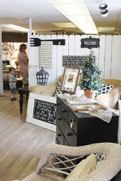 Vintage black and white room.  I'm such a big fan of COLOR, I'm surprised how much I love this!