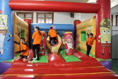 FEM FESTA 2016 - Pista inflable - Activitats de la jornada Fem Festa 2015/16 Escola Pia Balmes