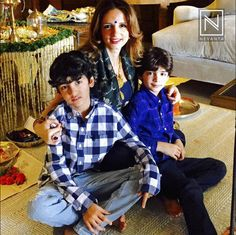 Sussanne khan with her kids, Hrehaan Roshan and Hridhaan Roshan