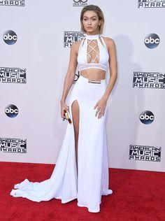 Gigi Hadid en total look Bao Tranchi à la cérémonie des American Music Awards à Los Angeles http://www.vogue.fr/mode/inspirations/diaporama/les-meilleurs-looks-de-la-semaine-novembre-2015/23888#gigi-hadid-en-total-look-bao-tranchi-la-crmonie-des-american-music-awards-los-angeles