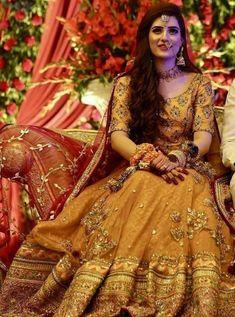 Asian Bridal Dresses, Pakistani Party Wear Dresses, Bridal Mehndi Dresses, Shadi Dresses, Pakistani Wedding Outfits, Bridal Dress Design, Wedding Dresses For Girls, Pakistani Dress Design, Bridal Outfits