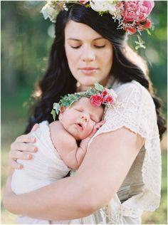 Lifestyle Newborn Film Session| Film Newborn Session | Newborn Flower Crown| www.juliepaisley.com