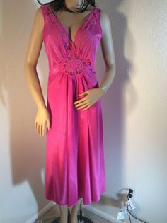 c546c90313 VTG Fuchsia Vanity Fair Olga Style Nylon spandex Lace Nightgown Large   VanityFair Lace Nightgown