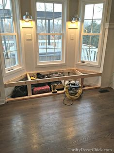 building a bay window seat 7 tips for laying out a narrow living room Window Seat Kitchen, Window Seat Storage, Kitchen Bay Windows, Modern Window Seat, Farmhouse Style Kitchen, Modern Farmhouse Kitchens, Home Renovation, Home Remodeling, Bay Window Benches