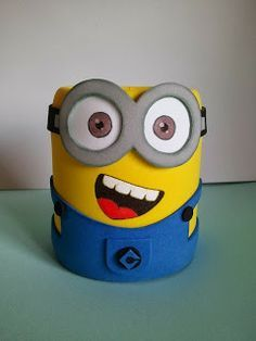 portalapices EN FOAMI - Buscar con Google Tin Can Crafts, Foam Crafts, Diy And Crafts, Crafts For Kids, Arts And Crafts, Paper Crafts, Minion Birthday, Minion Party, Bottle Art