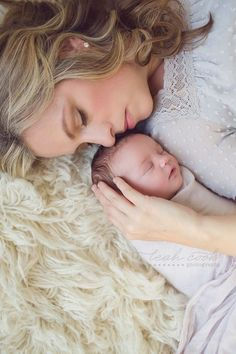Mom and baby newborn photography
