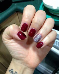 Sensationail gel nailpolish in sugarplum! Such a classic fall nail colour! #nails #manicure #sensationail