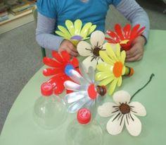 Flores con botellas de plastico
