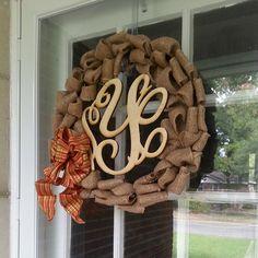 Super easy burlap wreath!
