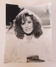 Black and White Photograph of Stefanie Powers | 21 Vintage Street Photograph, Black And White, Golden Age Of Hollywood, Classic Hollywood, Vintage Frames, Vintage Items, Street, Shopping World, Female