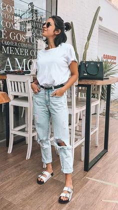 20 weekend look ideas - Guita Moda - - Cute Casual Outfits, Basic Outfits, Mom Outfits, Spring Outfits, Birkenstock Outfit, Outfit Jeans, Mom Jeans Outfit Summer, Look Fashion, Fashion Outfits