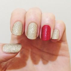 holiday manicure in gold texture polish with accent nail in red glitter // OPI, China Glaze, Forever21