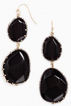 black and gold drop earrings http://rstyle.me/n/pvmsspdpe